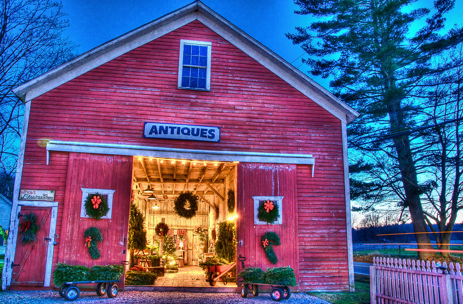 antiques barn at Christmas