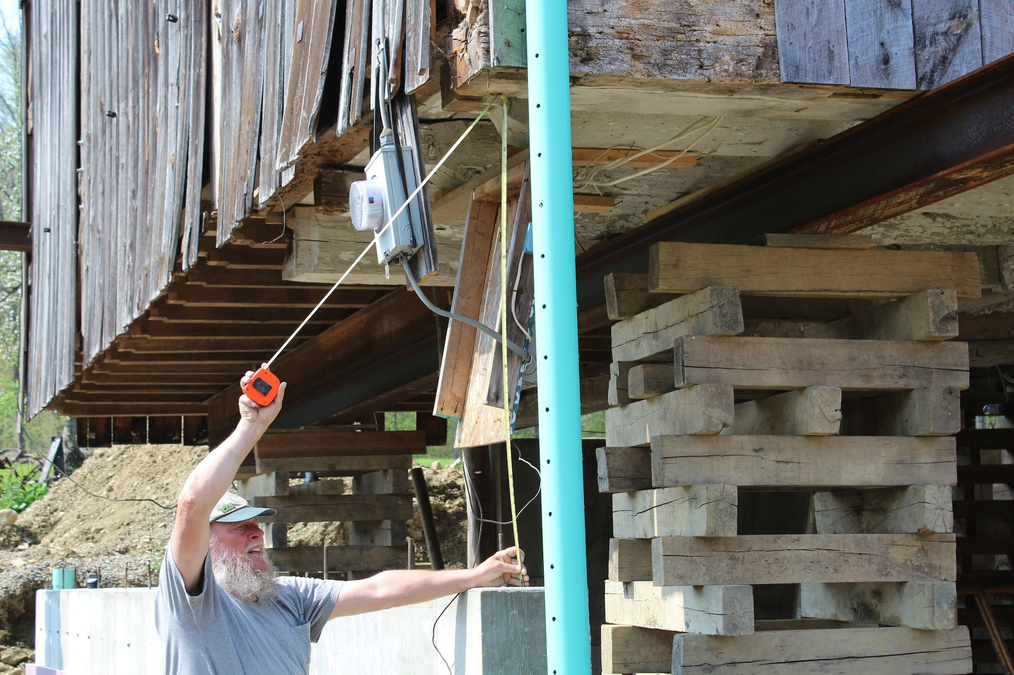 ^ Ohio timber framer connects generations through old barns - Farm ...